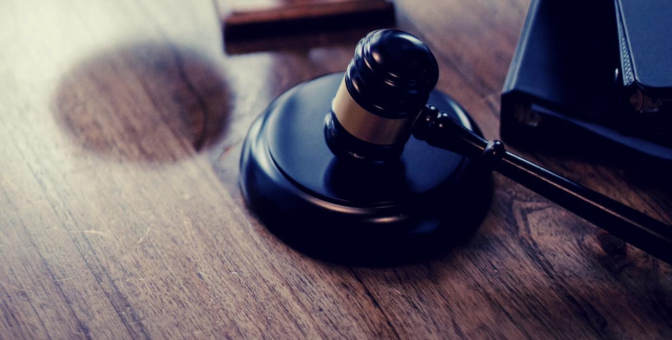 traduzione legale martelletto da giudice